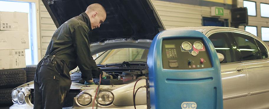 Autohuolto Rovaniemellä - Polar Renkaalta saat kattavat autohuoltopalvelut kaikille automerkeille.